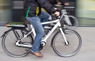 Lichte E Bike : Gefährliche e bikes unfälle mit pedelecs nehmen zu