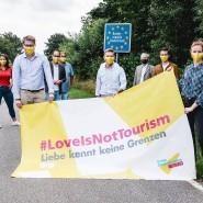 Liebe kennt keine Grenzen: Der FDP-Europaabgeordnete Moritz Körner (links) und der Gesundheitsminister von Schleswig-Holstein, Heiner Garg (mitte) werben für Paare