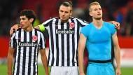 Bald wieder im Trikot? Jesús Vallejo (links) und Alex Meier (Mitte) könnten schon gegen Leipzig dabei sein.