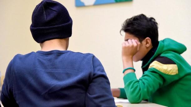 Streit über Alterstest bei Flüchtlingen