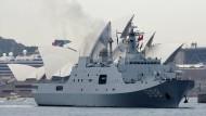 Chinesische Kriegsschiffe vor der Oper von Sydney