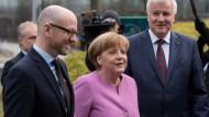 Generalsekretär Tauber, Kanzlerin Merkel und Ministerpräsident Seehofer beim Spitzentreffen von CDU und CSU