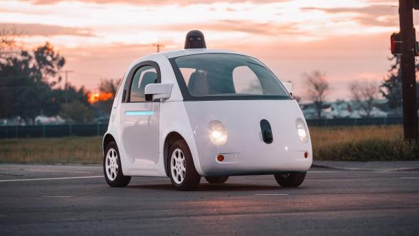 TÜV fordert Treuhänder für Daten von Roboterautos