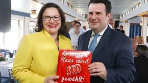 SPD-Arbeitsminister verteidigt Hartz-Sanktionen gegen SPD-Chefin