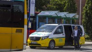 Ein Algorithmus berechnet die ideale Tour, auf der die Fahrer der vollelektrischen Kleinbusse ihre Passagiere einsammeln.