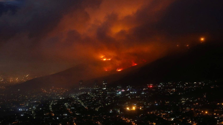Der Tafelberg steht unter Naturschutz. In Südafrikas Trockenzeit kommt es häufig zu schlimmen Bränden.