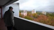 Zimmer mit Aussicht: Von den Hochhäusern im Wiesbadener Stadtquartier Schelmengraben blicken die Mieter noch auf viele Grünflächen.