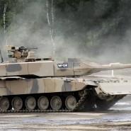 Deutsche Waffen, wie dieser  Kampfpanzer Leopard 2 A7+, sind auf der arabischen Halbinsel beliebte Importgüter. Doch nun sollen eigene Waffensysteme folgen.