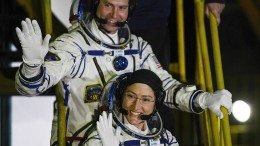 Nur eine Astronautin hat passenden Raumanzug