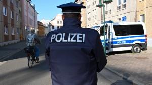 Schlag gegen die rechtsextreme Szene in Ostdeutschland