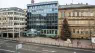 Hinter der Fassade: Die Räume der Volksbank-Filiale am Schillerplatz wurden modernisiert.