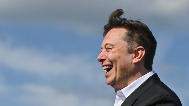 """""""Bitte arbeiten Sie bei Tesla Giga Berlin"""""""