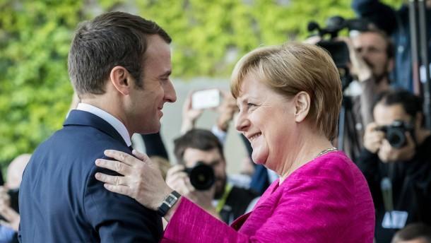 "Kommt Merkels ""Jumbo-Rat""?"