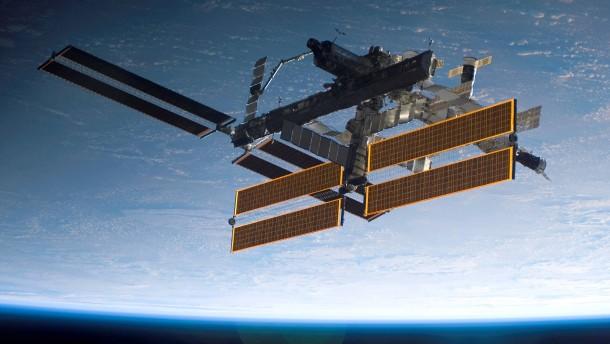 Die ISS hat ein Loch