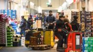 Frisch auf den Tisch: Jede Woche versorgen sich rund 3000 Kunden bei den Großhändlern im Kalbacher Frischezentrum.