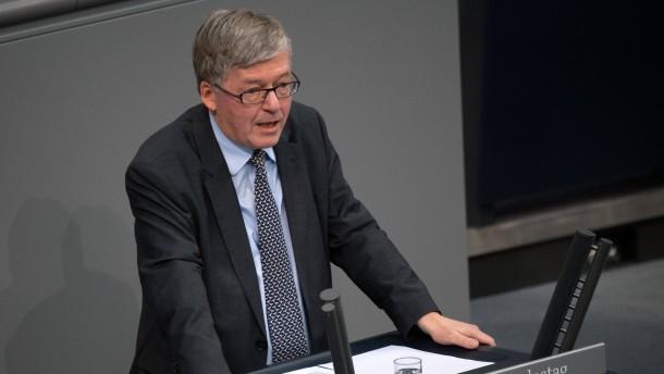 Wehrbeauftragter sieht Bundeswehreinsatz im Irak skeptisch