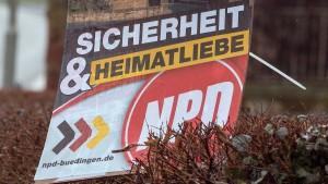 De Maizière: Kein Geld vom Staat mehr für die NPD