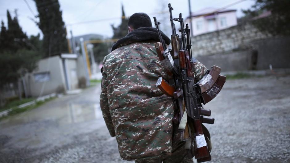 Einigung Auf Waffenruhe Im Konflikt Um Berg Karabach