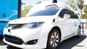 Waymo macht 62.000 Minivans zu Roboter-Taxis