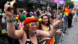 Gericht hebt Verbot der Homo-Ehe auf