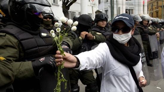 Mit Tränengas gegen Ärzte