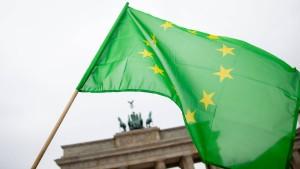 Grüne überholen Union erstmals in Umfrage