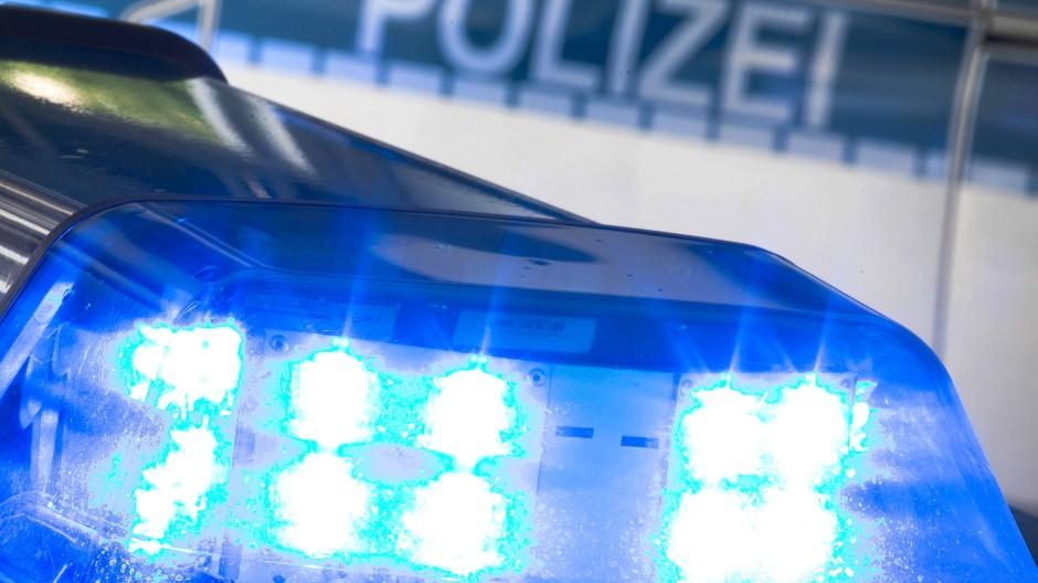 Hofheim: Tatverdächtiger stellt sich nach einem Gewaltverbrechen an einer jungen Frau. (Symbolbild)