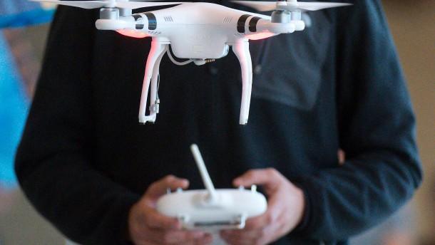 Gefahren für Luftverkehr durch Drohnen