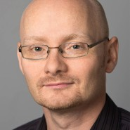 """Jörg Thomann - Portraitaufnahme für das Blaue Buch """"Die Redaktion stellt sich vor"""" der Frankfurter Allgemeinen Zeitung"""