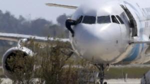 Entführer des ägyptischen Flugzeugs ergibt sich