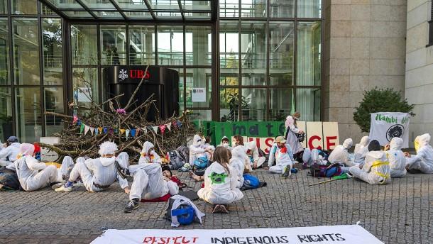 Hohe Strafen für Klimaaktivisten