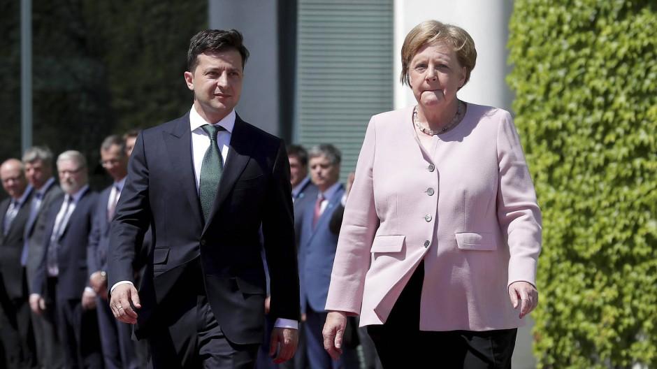 Angela Merkel (CDU) am Dienstag beim Empfang des ukrainischen Präsidenten Wolodymyr Selenskyj in Berlin