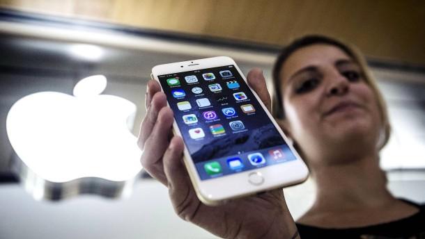 Geldschneiderei mit iPhones?: Französische Justiz ermittelt gegen Apple