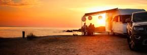 Traumvorstellung aller Caravaner: Allein irgendwo am Meer, die nächste Versorgungsstation hoffentlich nicht weit.