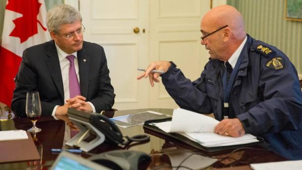 Harper kündigt entschlossenen Kampf gegen den Terror an
