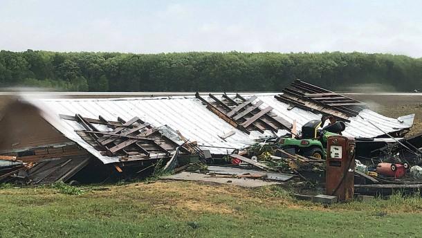 Tornado zieht mit mehr als 300 km/h durch Mississippi