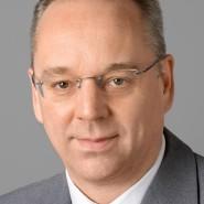 """Guido Holze - Portraitaufnahme für das Blaue Buch """"Die Redaktion stellt sich vor"""" der Frankfurter Allgemeinen Zeitung"""