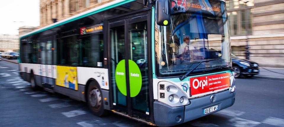 Busfahrer Wirft Passagiere Raus Die Rollstuhlfahrer Keinen Platz Machen
