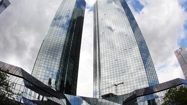 Zeitung berichtet ueber Stellenabbau bei der Deutschen Bank