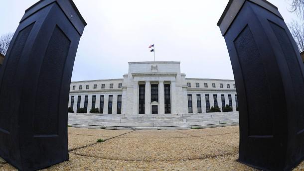 Trump lässt sich Zeit mit Fed-Chef-Nominierung