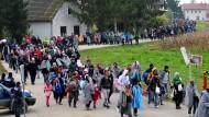 Was sich nicht wiederholen soll: Migranten durchqueren im Oktober 2015 Slowenien auf dem Weg nach Westeuropa.
