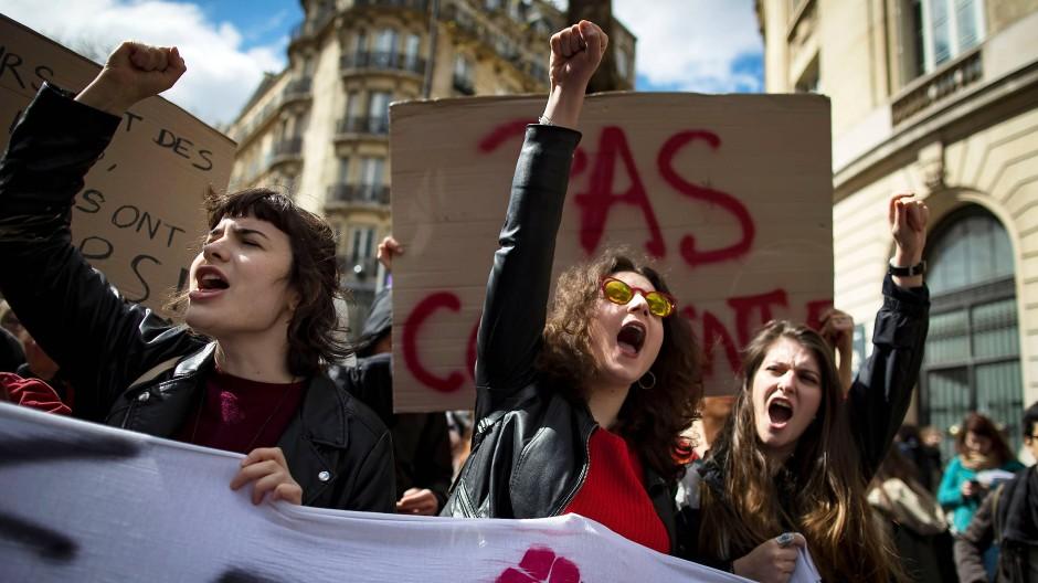 Gegen jede Form der Auslese: Studenten demonstrieren an der Sorbonne für das Recht auf das Studium ihrer Wahl.