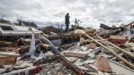Tornados zerstören Häuser und Landschaften