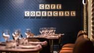 Traditionell und schick: Nach der Übernahme durch eine Kette hat das Café Comercial vor kurzem wieder aufgemacht.