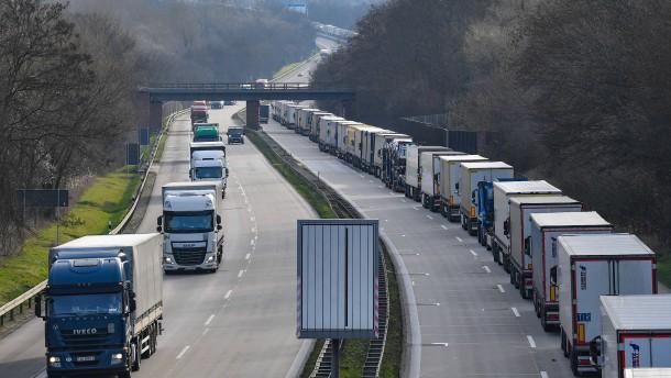 Neuer Streit über Lastwagen-Kartell