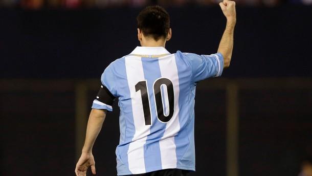 Winnie, Klinsi, Messi