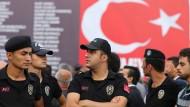Wer von Erdogans Säuberungen betroffen ist