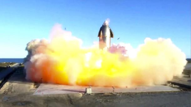 SpaceX-Rakete bei Testlandung explodiert