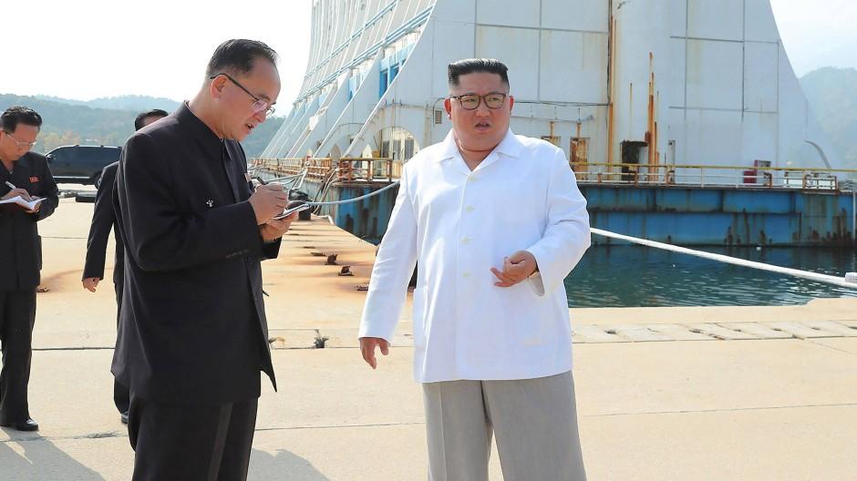 Kim Jong-un zu Besuch am Berg Kumgang: Die dortigen Hotelanlagen nannte er einen Schandfleck.