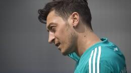 Die Rücktrittserklärung von Mesut Özil in Auszügen